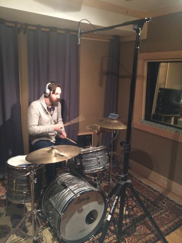 Recording drums with one overhead microphone